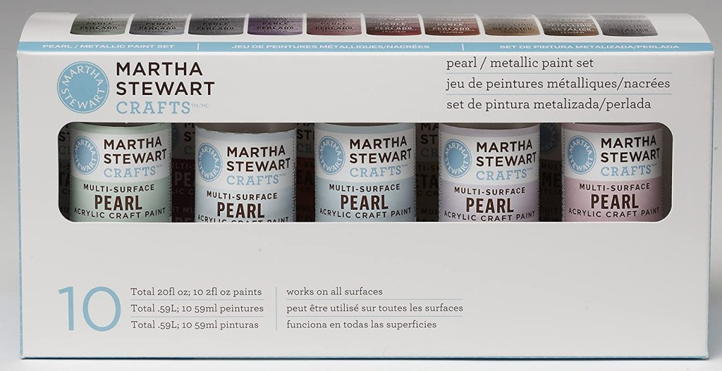 Martha Stewart Crafts pearl/metallic paint set jeu de peintures metalliques/nacrées set de pintura metalizada/perlada 10 total 20 fl oz; 10 2fl oz paints total .59L; 10 59ml peintures Total .59L; 10 59ml pinturas works on all surfaces peut être utilisé sur toutes les surfaces funciona en todas las superficies